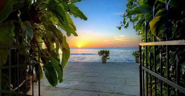 Mango Bay - Vacation Rental in Barbados